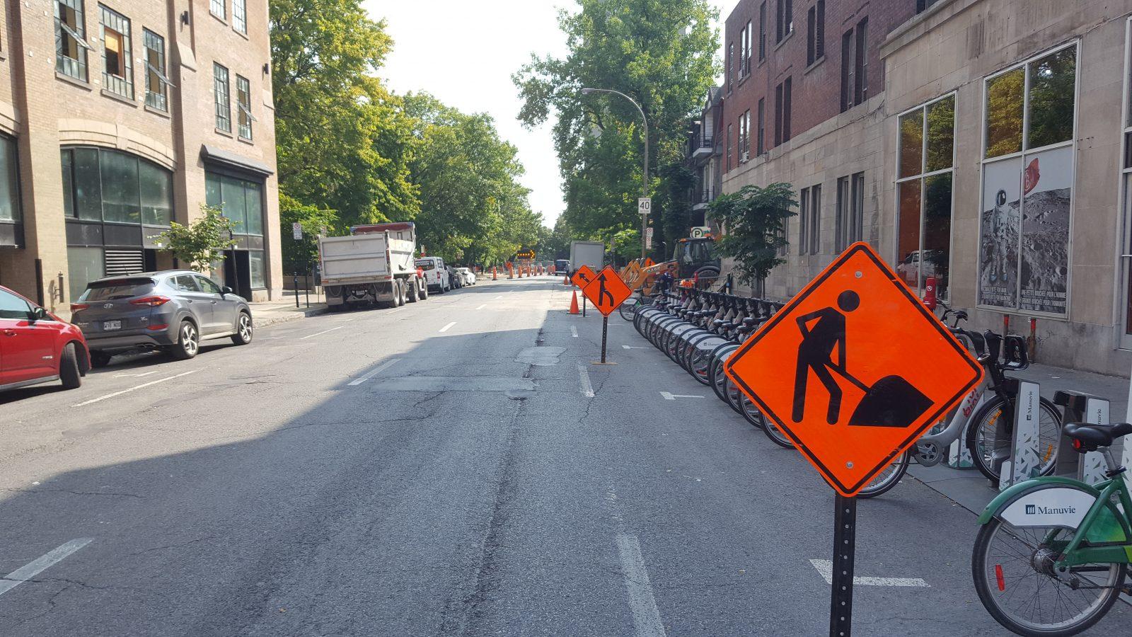 chantier-construction-route-signalisation-orange